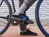 Fyxation Gates Pedal with Strap Kit - Pink/Black