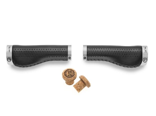 Selle Italia Epica Ergo Grip Leather - Black